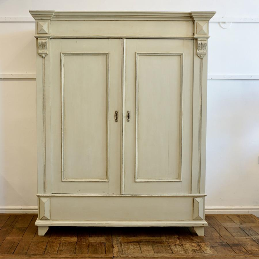 Continental painted wardrobe/cupboard