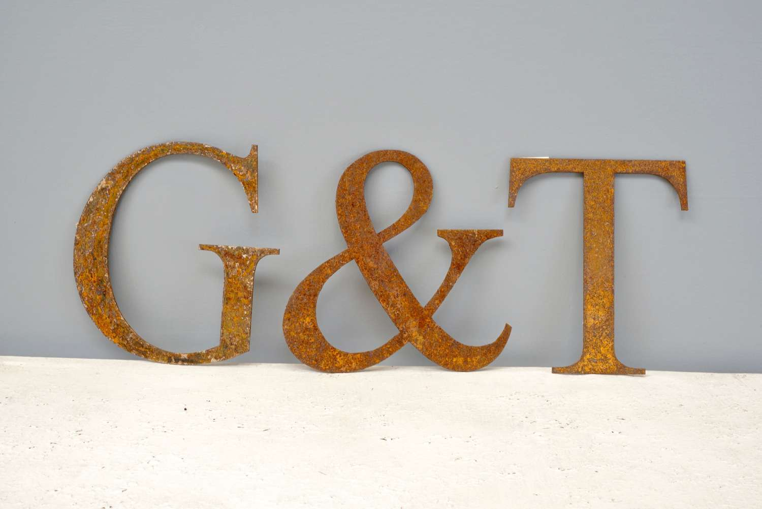 Decorative iron letters
