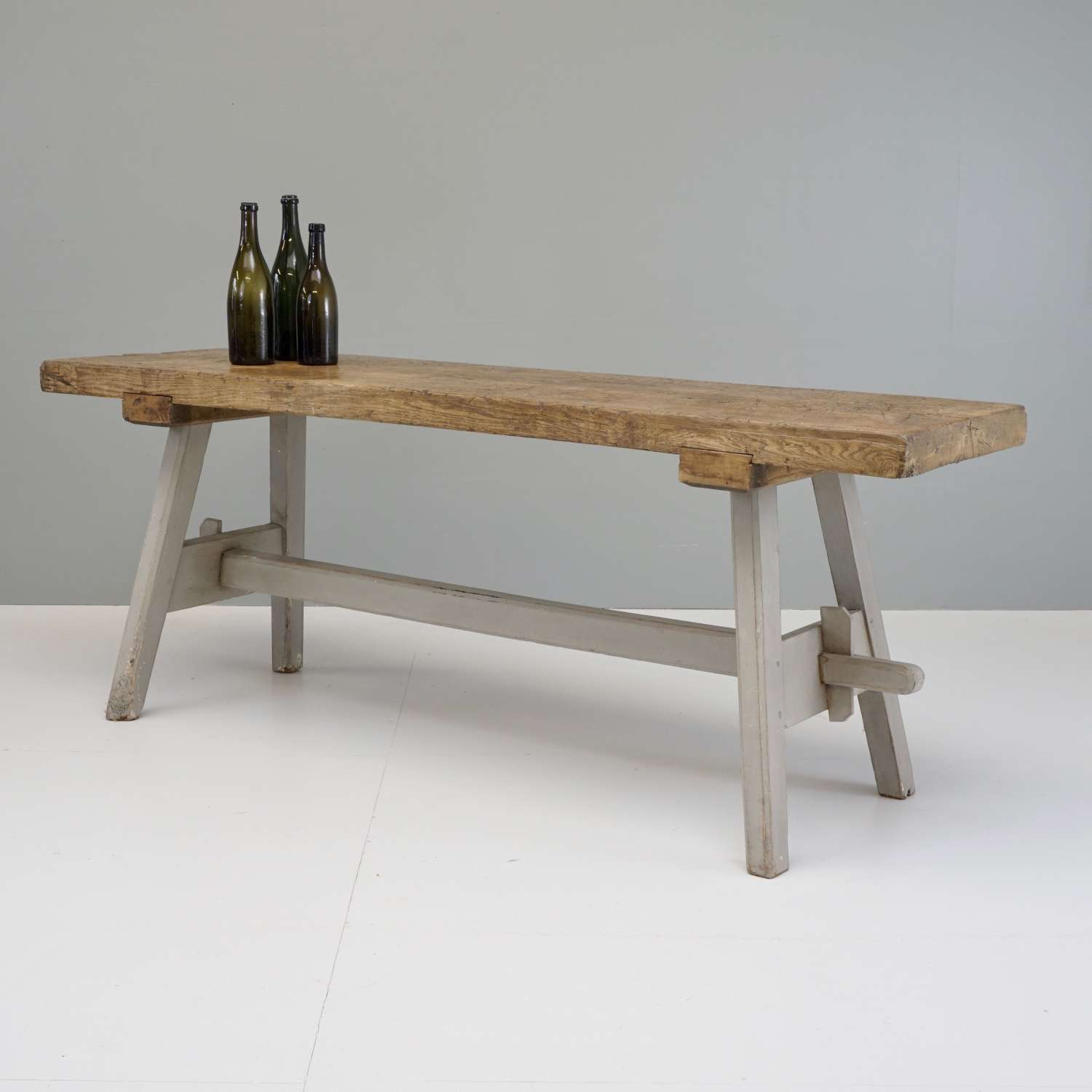 Continental Table